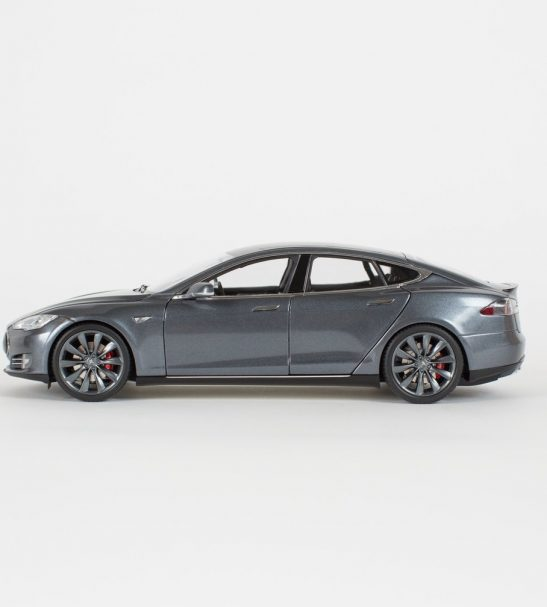 diecast-p85-model-s-1-18-scale-midnight-silver-by-tesla