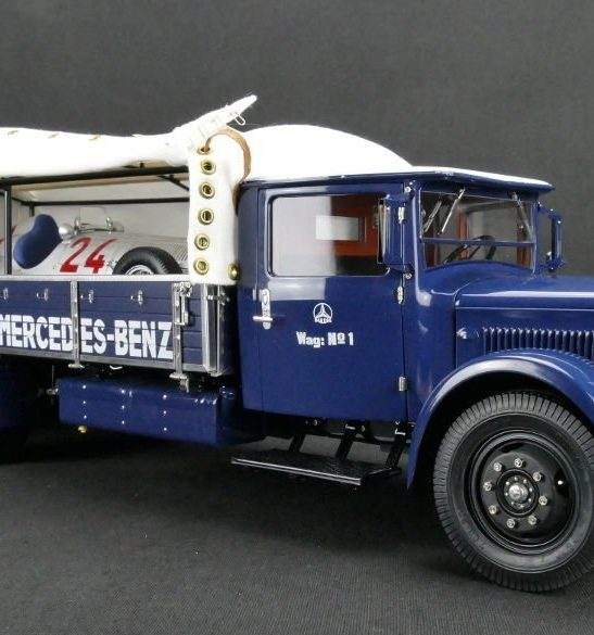Mercedes-Benz Racing Car Transporter LO 2750 by CMC