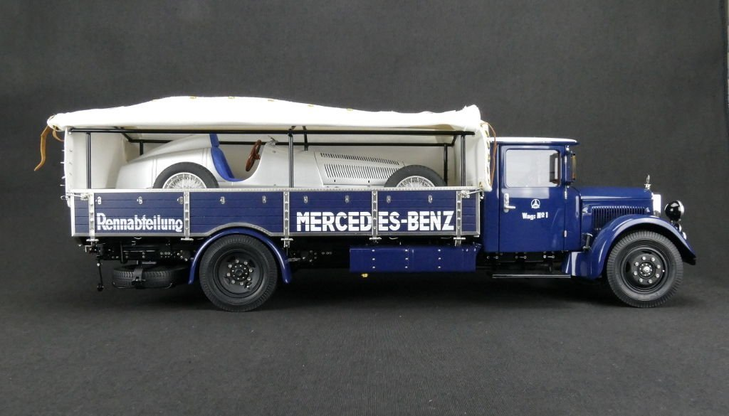 mercedes benz racing car transporter lo 2750 by cmc 1 18 scale choice gear. Black Bedroom Furniture Sets. Home Design Ideas