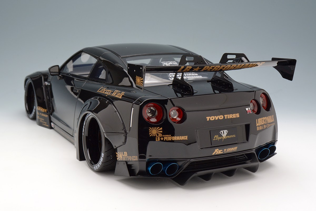 liberty walk nissan gt r r35 by make up co ltd 1 18 scale choice gear. Black Bedroom Furniture Sets. Home Design Ideas