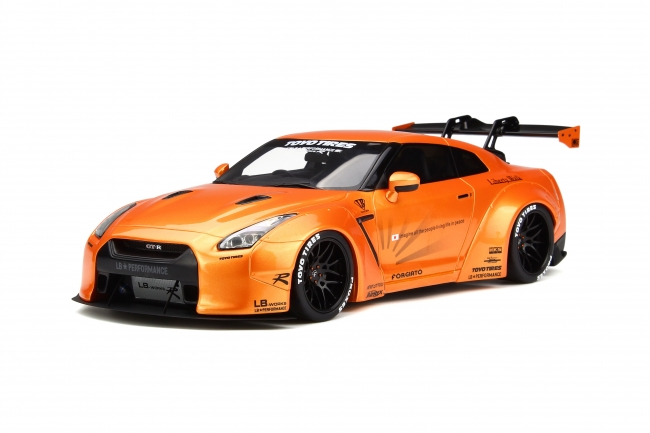 lb nissan gtr r35 by gt spirit 1 18 scale choice gear. Black Bedroom Furniture Sets. Home Design Ideas